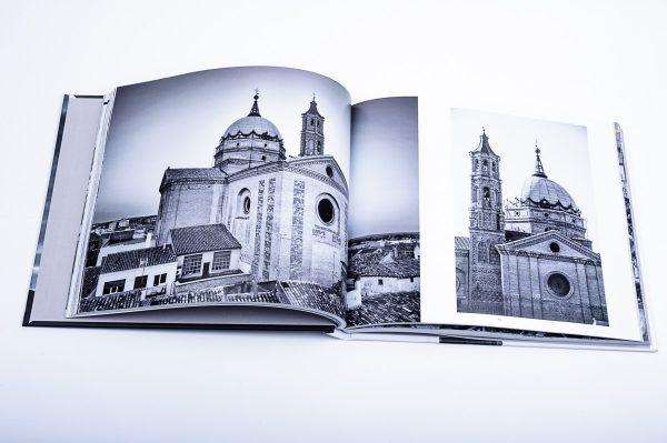"""Libro de Fotografía """"Mi pueblo, La Almunia de Doña Godina"""""""